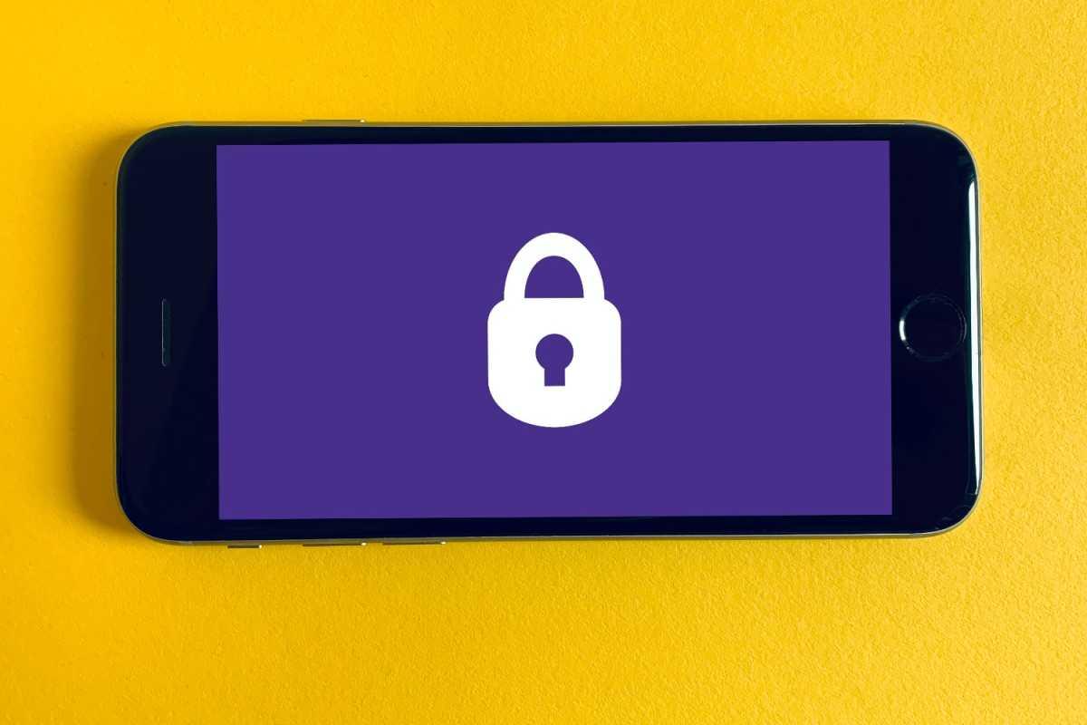 iPhone 8 security