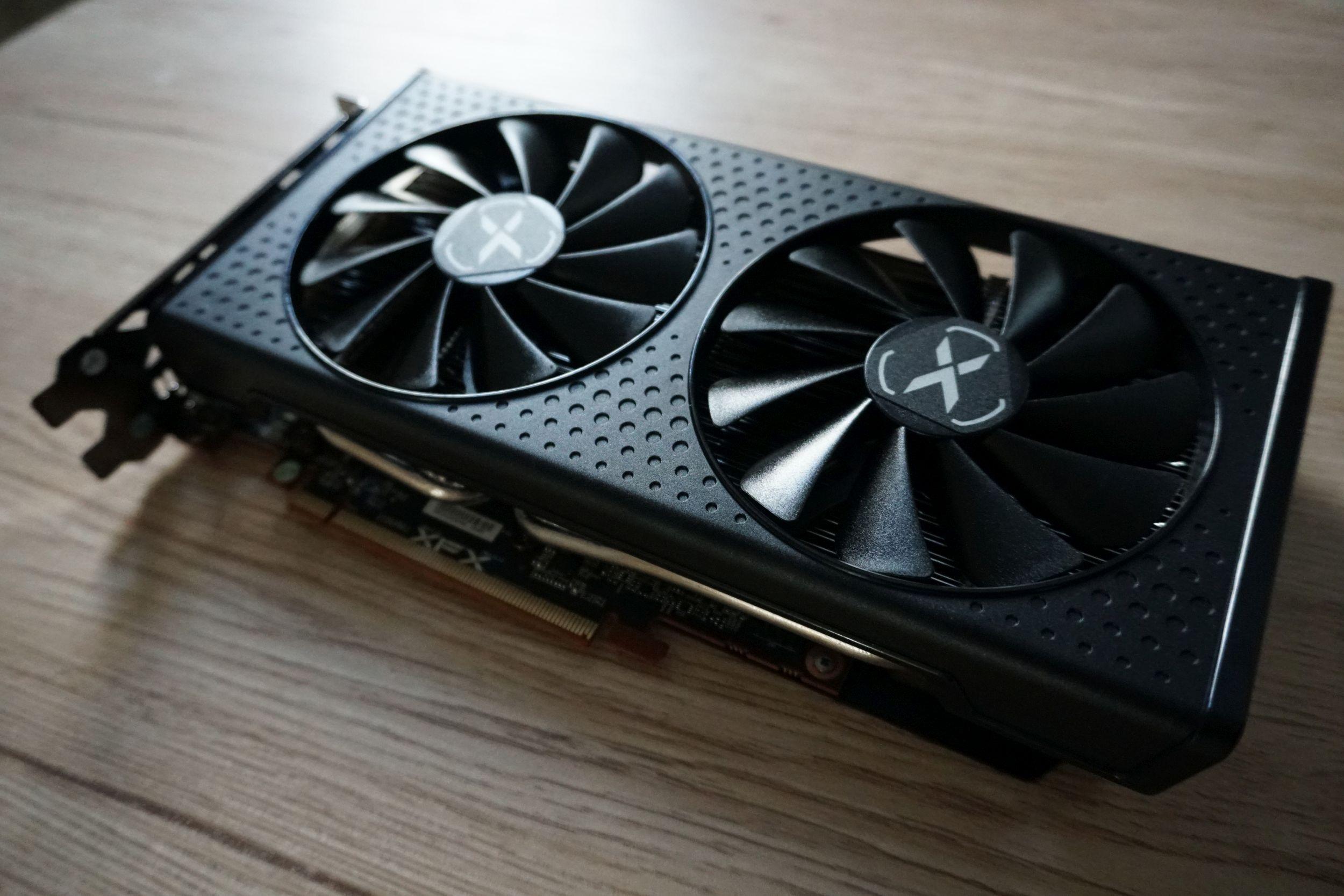 Radeon RX 6600 Swft 210